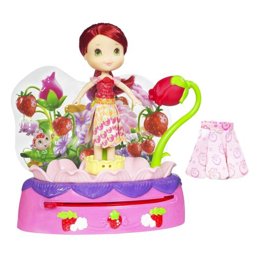 Strawberry Shortcake Twirling Flower Fashions Playset